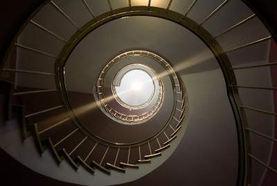 spiral staircase 1335548 1280 1539420219 81.56.97.93